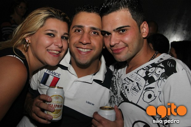 Local: Duck Club Music  - Baile Escolha Rainha 4/4 nr_111526 Data:01/09/2012 Fotografo: Cristiano Oliveira (kiki)