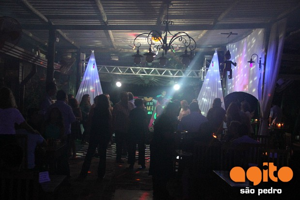 Local: Restaurante do Lago - Baile de Garagem 1/2 nr_364006 Data:11/11/2017 Fotografo: Cristiano Oliveira (kiki)
